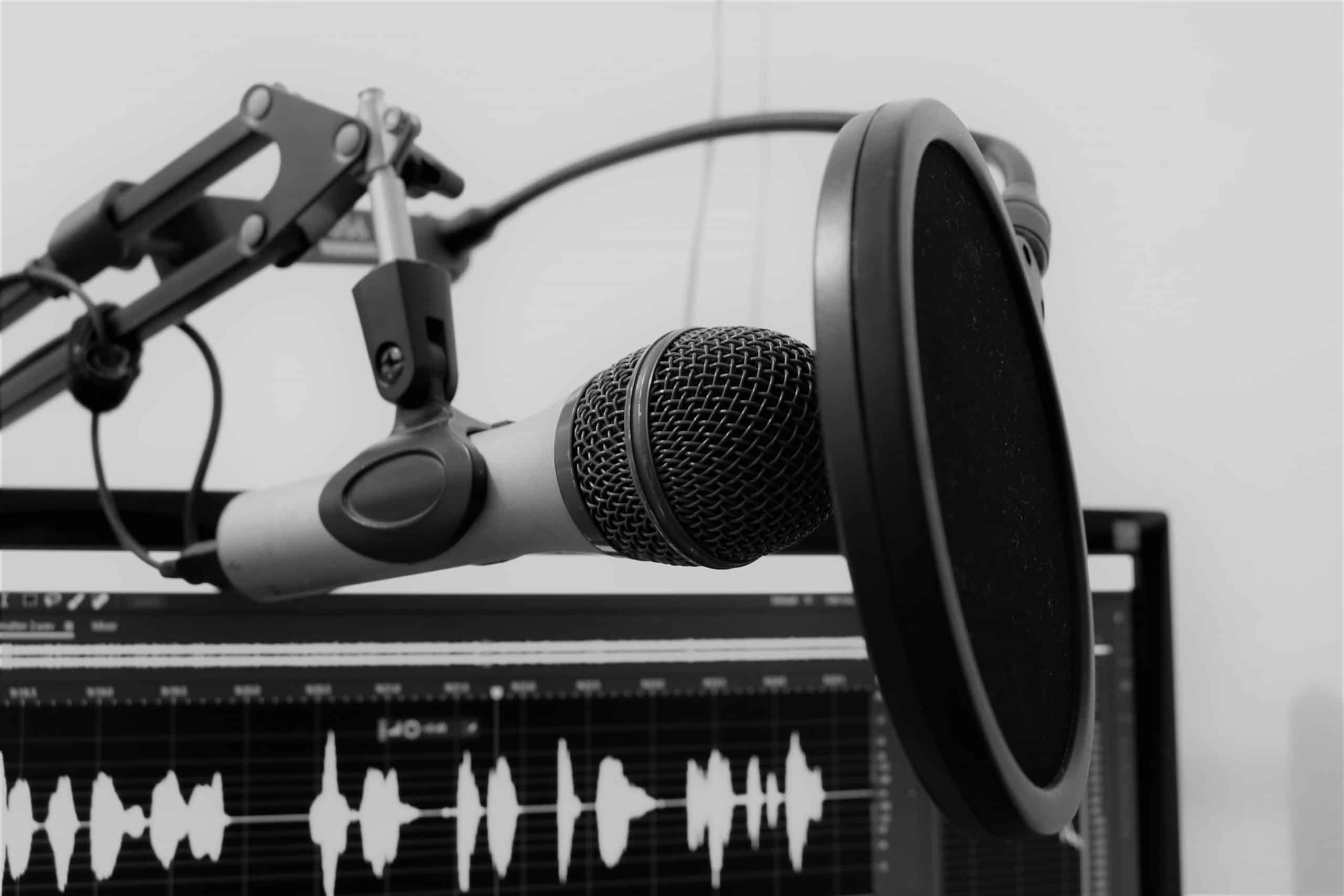 Content marketing via radio, podcast of Clubhouse
